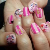 ピンクのネイルデザイン